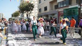ЛИМАСОЛ, КИПР - 26-ОЕ ФЕВРАЛЯ: Грандиозный парад масленицы, 26-ое февраля 2017 в Лимасоле, Кипре акции видеоматериалы