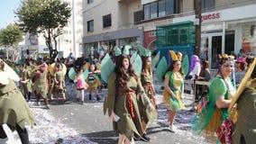 ЛИМАСОЛ, КИПР - 26-ОЕ ФЕВРАЛЯ: Грандиозный парад масленицы, 26-ое февраля 2017 в Лимасоле, Кипре видеоматериал