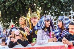 ЛИМАСОЛ, КИПР - 26-ОЕ ФЕВРАЛЯ: Масленица детей принимать парад масленицы детей, 26-ое февраля 2017 в Лимасоле Стоковые Изображения