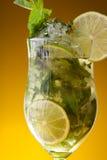 лимонад близкого питья свежий вверх Стоковое Фото