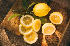 Лимонад стойки, лимон куска стоковые фотографии rf