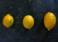 3 лимона в различных размерах стоковое изображение rf