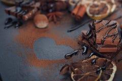 Лимон, гайки и ассортимент точных шоколадов Стоковое Изображение