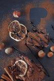 Лимон, гайки и ассортимент точных шоколадов Стоковое Изображение RF