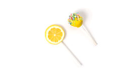 Лимон и желтые cakepops Стоковое фото RF