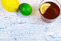 Лимон и известка с чаем Стоковое Фото