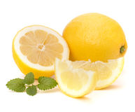 Лимон и цитрон чеканят лист изолированные на белой предпосылке Стоковые Изображения RF