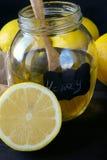 Лимон, мед и сот Стоковые Фотографии RF