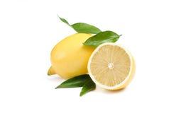 Лимон Приносить при половина и листья изолированные на белизне Стоковые Фотографии RF