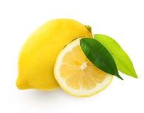Лимон с зелеными лист Стоковое фото RF