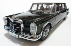Лимузин Пуллмана LWB Benz S600 Мерседес Стоковая Фотография RF