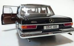 Лимузин Пуллмана LWB Benz S600 Мерседес Стоковые Фото