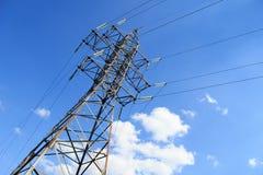 Линии высокого напряжения башни Стоковые Фото