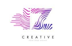 Линии дизайн зебры IZ i z логотипа письма с magenta цветами Стоковые Изображения RF