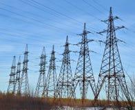 Линии электропередач напряжения тока Стоковая Фотография RF