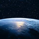 линия горизонта земли 3d представила космос серия интернета руки самого лучшего глобуса принципиальных схем принципиальной схемы  Стоковое фото RF