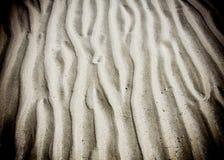 Линия картина волны в песке пляжа Стоковые Фото
