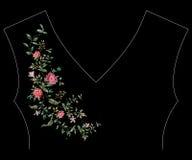 Линия картина шеи вышивки флористическая с одичалым цветением роз Стоковое Изображение RF
