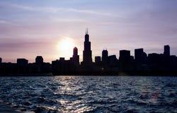 Линия неба Чикаго на заходе солнца Стоковые Фото