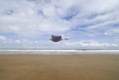 линия одежд свитер добыч пляжа младенца Стоковое Изображение RF