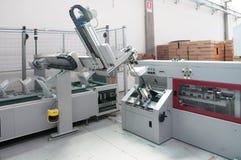 линия отделки магазин печатания печати давления стоковая фотография