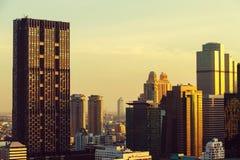 Линия перед заходом солнца, Бангкок неба Бангкока, Таиланд Стоковые Фотографии RF