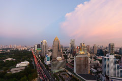 Линия перед заходом солнца, Бангкок неба Бангкока, Таиланд Стоковое фото RF