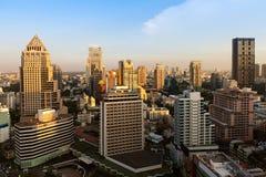 Линия перед заходом солнца, Бангкок неба Бангкока, Таиланд Стоковое Изображение