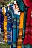 линия платьев ткани цветастая Стоковое фото RF