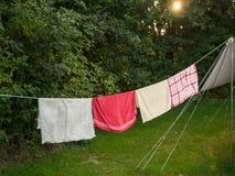 Линия полотенец вне шатра Стоковое Изображение