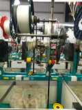 линия резьба фабрики детали продукции стоковое фото rf