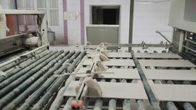 Конвейер керамической плитки купить фольксваген транспортер т5 грузопассажирский