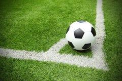 Линия травы стадиона футбольного поля футбола Стоковое Изображение RF