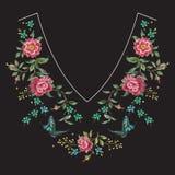 Линия цветочный узор шеи вышивки с розами Стоковое Изображение RF
