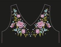 Линия цветочный узор шеи тенденции вышивки с розами Стоковые Изображения