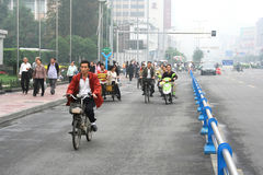 линия экстренныйый выпуск bicyles дороги pedicabs Стоковая Фотография