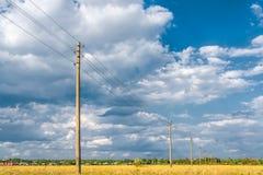 Линия электропередач в поле Стоковое Изображение RF