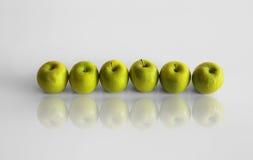 линия яблок Стоковые Фото