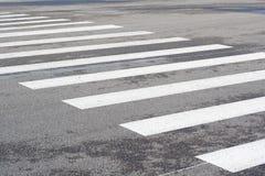 Линия Crosswalk стоковые фотографии rf