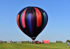 Линкольн, Иллинойс - США - 25-ое августа 2017: Старт воздушного шара Стоковое Фото