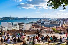 Лиссабон, Португалия - 18-ое мая 2017: Взгляд Рекы Tagus от th Стоковая Фотография