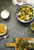 Листовая капуста, апельсин и салат нутов Стоковое Фото