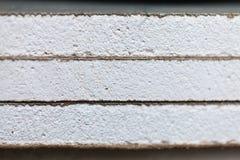 Листы штукатурной плиты или гипсокартона близких вверх в квартире во время на конструкции, remodeling, отстраивать стоковая фотография rf