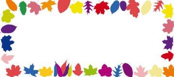 Листья обрамляют на предпосылке осени Стоковые Изображения RF