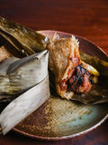 Лист-обернутое китайцем zongzi липкого риса стоковые изображения rf