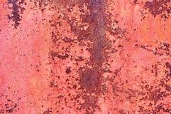 Лист старого ржавого металла покрашенного с красной треснутой краской абстрактная предпосылка предпосылка металлическая Стоковые Фото