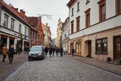 Литва Старые улицы Вильнюса Новый Год в Вильнюс 3-ье января 2018 стоковые фотографии rf