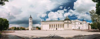 Литва vilnius Панорама часовни и собора колокольни Стоковое фото RF