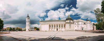 Литва vilnius Панорама часовни и собора колокольни Стоковые Фото