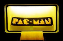 Литерность торговой маркы Pac-человека, иконические ретро развлечения, винтажные игры Стоковое Изображение